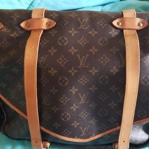 Louis Vuitton Bags - Gorgeous Louis Vuitton Monogram Saumur 40 Vintage